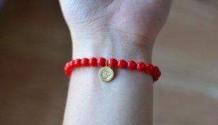 red om bracelet